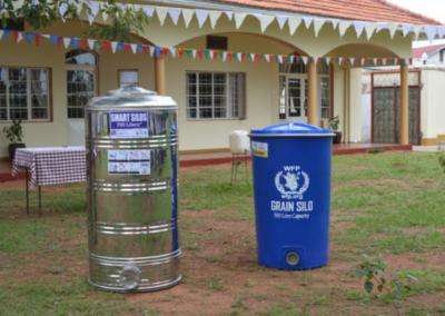 Uganda (62) – Nieuwe graansilo's voor betere opslag – geadopteerd door KVG Roermond