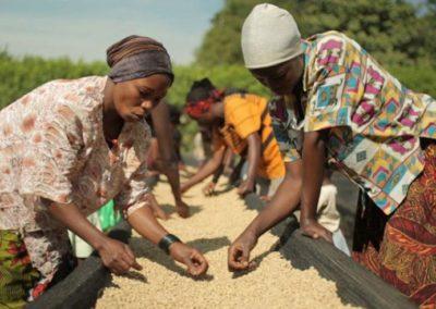 Rwanda (2) – Kleinschalige boerderij met educatie in seksuele gezondheid en vrouwenrechten – geadopteerd door sponsorfietsreis Rwanda