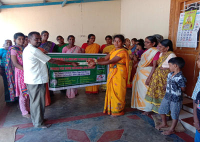 India (49) – Visverwerking buiten het visseizoen – sponsoren gezocht voor 3.360 euro