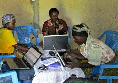 Kenia (42) – Cybercafé in Mabinyu Village – sponsoren gezocht voor 3.485 euro